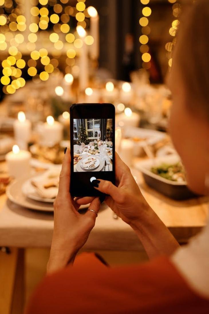 Ποιο SMS στέλνουμε για ρεβεγιόν;
