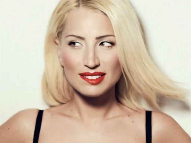 Μαρία Ηλιάκη: Το νέο της look δια χειρός Πάνου Καλλίτση