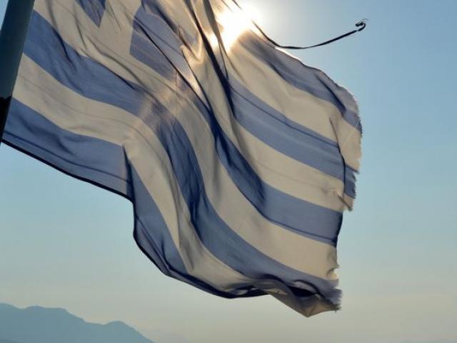 Τι σημαίνουν οι μπλε και λευκές γραμμές στην Ελληνική Σημαία