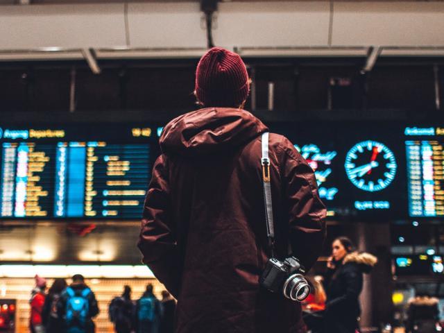 Τι ισχύει για όσους επιστρέφουν από το εξωτερικό;